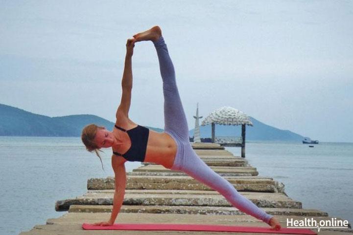 side plank arm balance